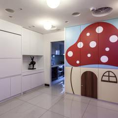 Nursery/kid's room by 祥祥設計有限公司