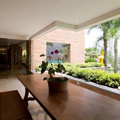 Casa 906: Terrazas de estilo  por Objetos DAC,