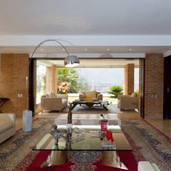 Casa 906: Salas / recibidores de estilo  por Objetos DAC, Moderno