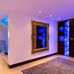 Casa 906: Pasillos y vestíbulos de estilo  por Objetos DAC, Moderno