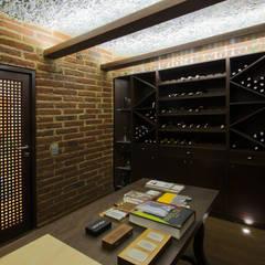 Casa 906: Bodegas de vino de estilo moderno por Objetos DAC