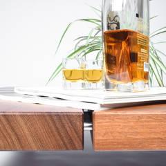 Tavolino da Caffè Basso in Legno Massello di Iroko /Coffee table / Mid century coffee table solid wood /: Sala da pranzo in stile  di Ebanisteria Cavallaro
