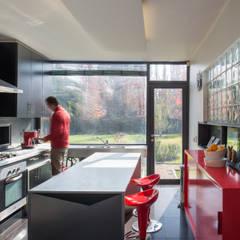 Casa Rosales Quijada: Cocinas de estilo  por GITC