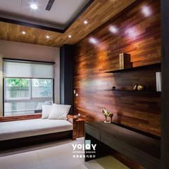 Estudios y oficinas de estilo asiático por 有容藝室內裝修設計有限公司