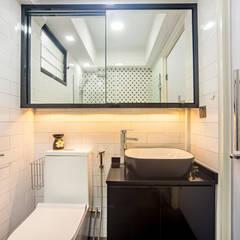 HDB Blk 293B Compassvale Crescent: modern Bathroom by Renozone Interior design house