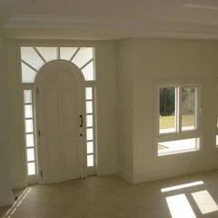 Windows by Éfeso Arquitetura & Construção