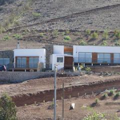 Vivienda L52 Fundo Loreto, La Serena.: Casas de estilo  por Territorio Arquitectura y Construccion