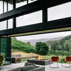 Butterfly House Modern Living Room by Feldman Architecture Modern Glass
