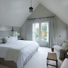 The Grange:  Bedroom by Feldman Architecture