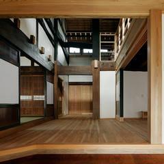 西本建築事務所 一級建築士事務所:  tarz Multimedya Odası