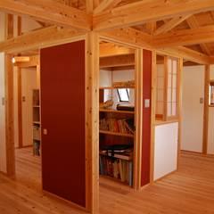 子供部屋: 環アソシエイツ・高岸設計室が手掛けた子供部屋です。
