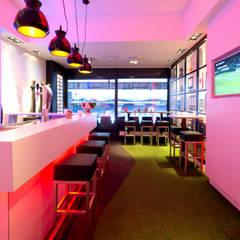 Skybox Koning Willem II stadion:  Stadions door Studio'OW Interieurontwerp