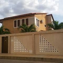 Houses by Moderna Arquitetura Brasil