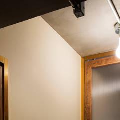 学芸大学・ROOM・S(GAKUGEIDAIGAKU・ROOM・S): 吉田裕一建築設計事務所が手掛けた窓です。,