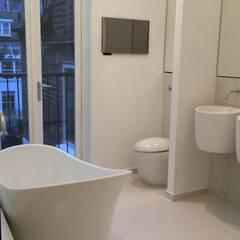 6 Retcliffe Place:  Bathroom by Diamond Constructions Ltd