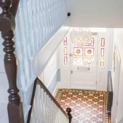 3 Hilbury Road:  Corridor & hallway by Diamond Constructions Ltd, Modern