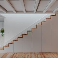 راهرو by Pedro Ferreira Architecture Studio Lda