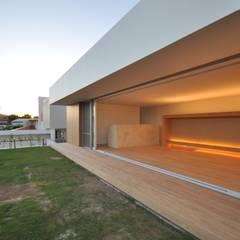 NKMR-HOUSE: 門一級建築士事務所が手掛けた庭です。