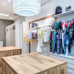 Loja Feminina Shopping: Lojas e imóveis comerciais  por Andresa Jessita