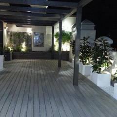 Diseño y reforma de terraza Madrid: Jardines de estilo  de La Patioteca