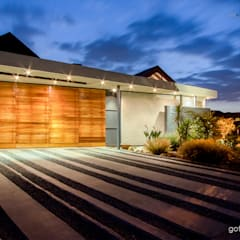 ​Contemporary Farm house :  Garage/shed by Gottsmann Architects,