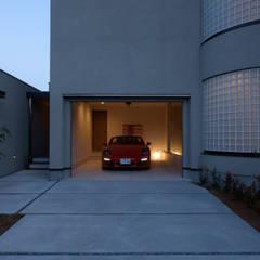 Garage / Hangar de style de style Scandinave par アークス建築デザイン事務所