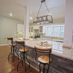 Remodelacion Farmhouse en San Antonio TX: Cocina: Cocinas de estilo  por Noelia Ünik Designs