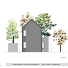 Vista Posterior: Casas de estilo  por Paico