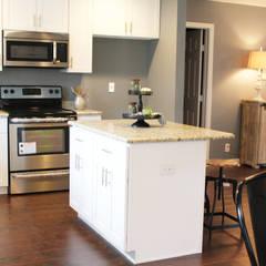 Home Staging San Antonio Tx Leon Valley: Cocina: Cocinas de estilo  por Noelia Ünik Designs