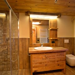rustic Bathroom by Falegnameria Galli
