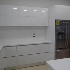 مطبخ تنفيذ TRES52 - Mobiliario