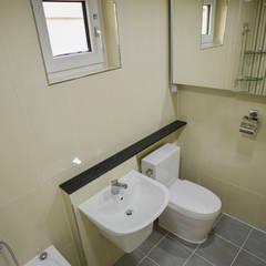 꿈속의 동화같은 단층 목조주택: 꿈애하우징의  욕실