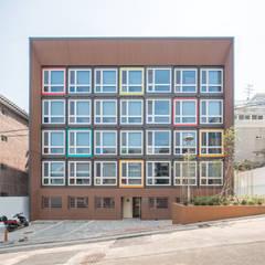 나라키움대학생기숙사_성산동, 성내동: 큐브디자인 건축사사무소의  호텔