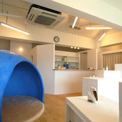 サントリーニ島!?整骨院: 株式会社グランデザイン一級建築士事務所が手掛けた病院です。