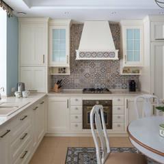 Загородный дом: Кухни в . Автор – А-Дизайн