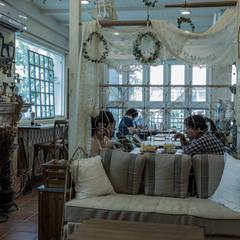 Oficinas y Comercios de estilo  por 直譯空間設計有限公司, Rural