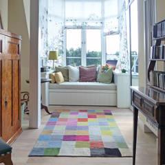 Wohnräume dekoriert mit Kiran Kelims: klassische Arbeitszimmer von Kiran Kelim & Teppich Kunst