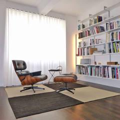 Wohnräume dekoriert mit Kiran Kelims:  Arbeitszimmer von Kiran Kelim & Teppich Kunst