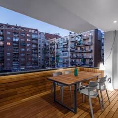 Reforma Eixample: Terraços  por PAULO MARTINS ARQ&DESIGN