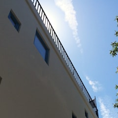 043.FF.14   DesArts Hostel & Suits: Hotéis  por Just an Architect   João Abreu Arquitectos