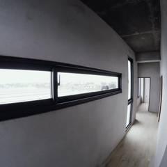 در و پنجره by 光島室內設計