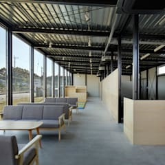 Office of YES company の 西谷隆建築計画事務所 ミニマル