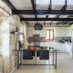 Ebru Erol Mimarlık Atölyesi – HEİKE & ÖNAL ÖNCEBE EVİ:  tarz Mutfak