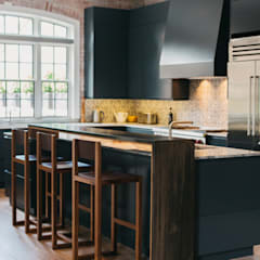 Kitchen by FLUID LIVING STUDIO,