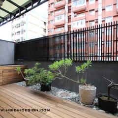 Balcones y terrazas de estilo asiático de 協億室內設計有限公司 Asiático