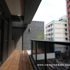 Hiên, sân thượng by 協億室內設計有限公司