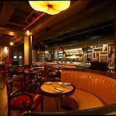 HOTMESS RESTAURANT-CP, NEW DELHI:  Bars & clubs by ashu paul associates