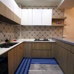 Kitchen by 協億室內設計有限公司