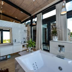 Bathroom by Studious Architects