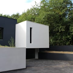 Black and White: Garage / Hangar de style de style Minimaliste par AM architecture